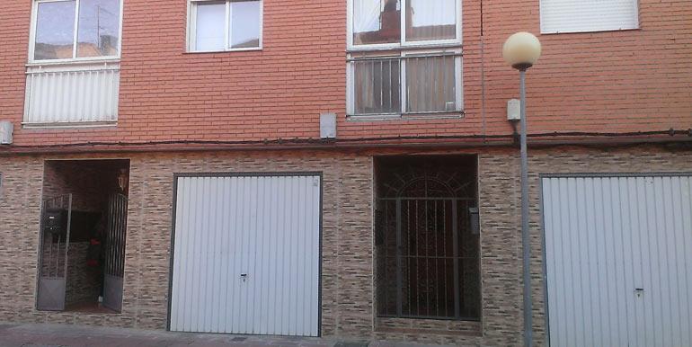 UNIFAMILIAR ADOSADO en La Puebla de Alfindén